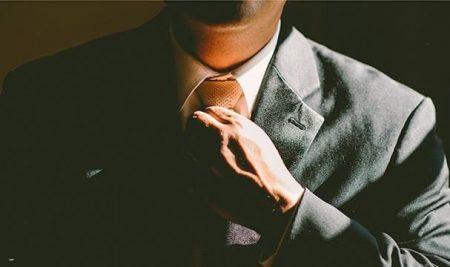 """10 conseils aux Messieurs pour faire """"bonne impression"""" et éviter les erreurs de style."""